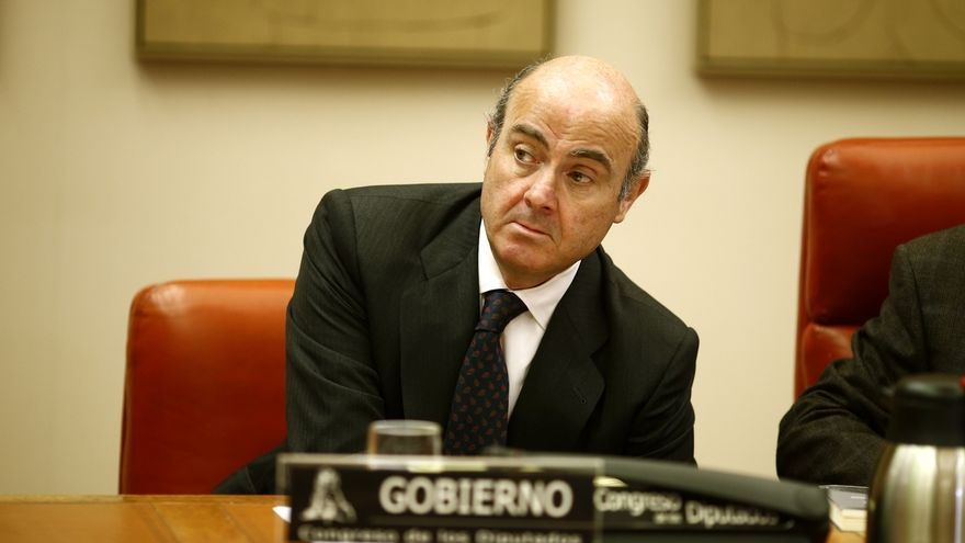 La Comisión de Economía acuerda que Guindos hable primero del 'caso Soria' y después del déficit