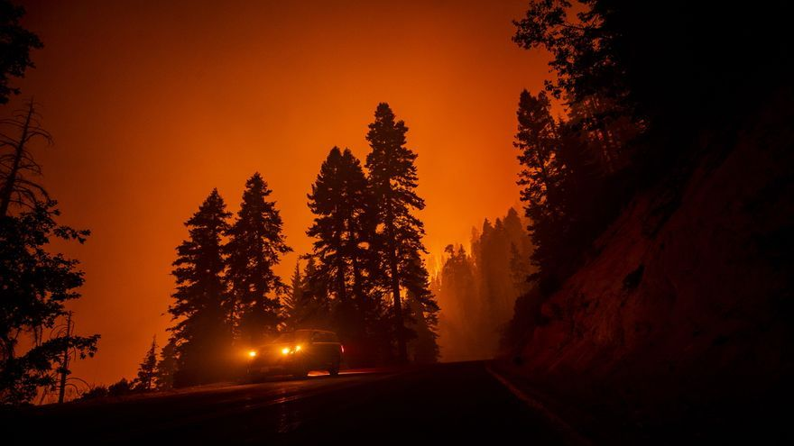 El mayor incendio activo en EE.UU. supera las 80.000 hectáreas calcinadas