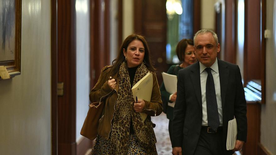 El PSOE se abre ahora a un coordinador en la mesa de partidos sobre Cataluña