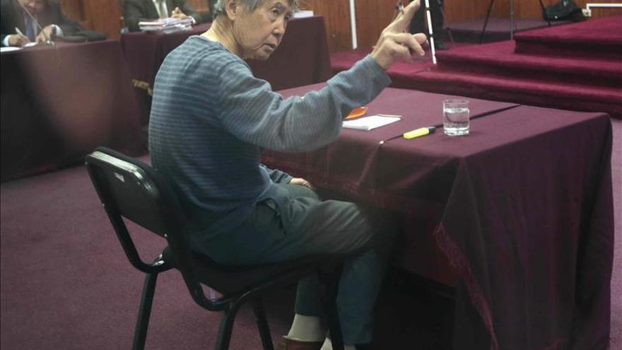 Fujimori vuelve a dar una entrevista por teléfono y se queja de que es hostigado