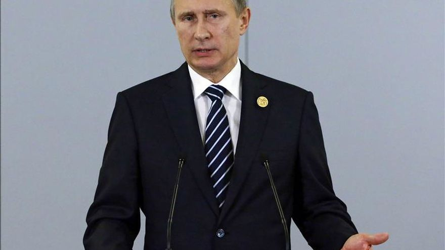 Putin anuncia la intensificación de los bombardeos en Siria por el atentado del avión en Egipto