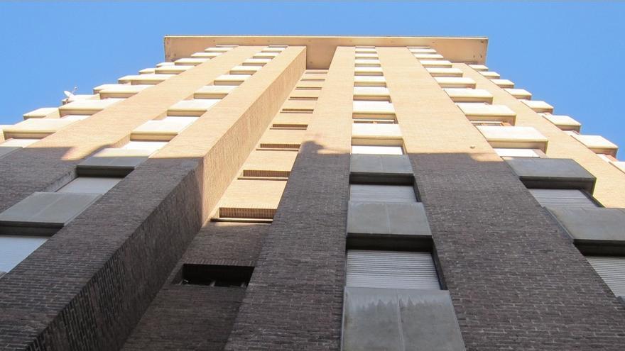 España cuenta con más de 3,4 millones de viviendas vacías que chocan con la realidad de los desahucios.