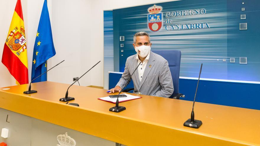 El vicepresidente y consejero de Universidades, Igualdad, Cultura y Deporte, Pablo Zuloaga, informa de los acuerdos del Consejo de Gobierno
