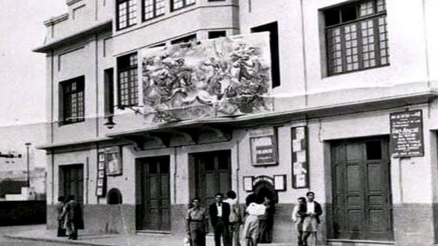 Fachada del teatro cine Hermanos Millares