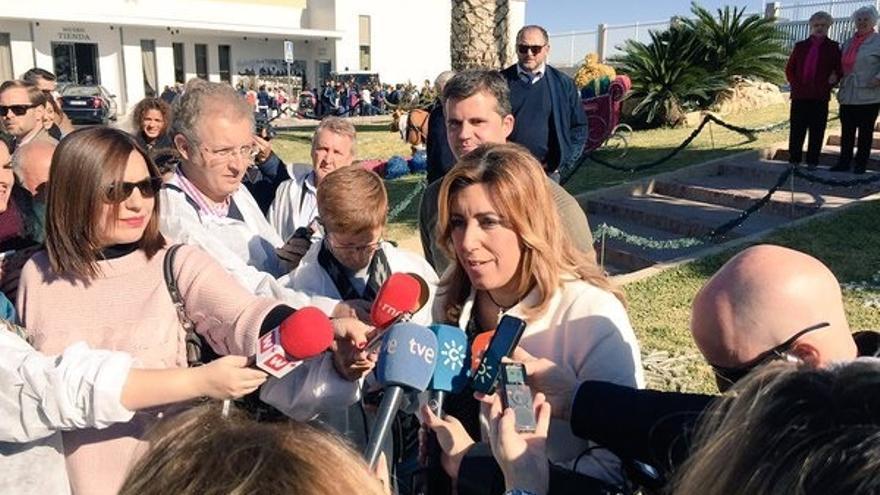 """Susana Díaz pide """"responsabilidad social y compromiso"""" a los bancos para buscar solución a Abengoa"""