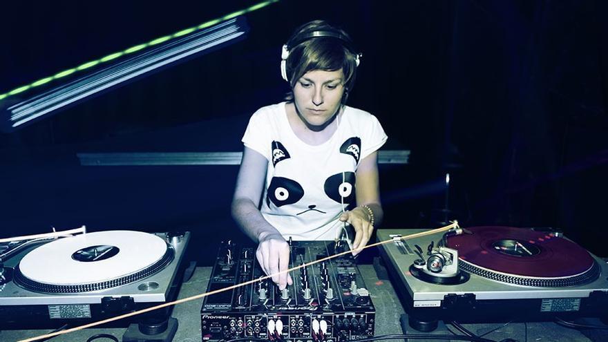 Eme DJ, en una de sus sesiones
