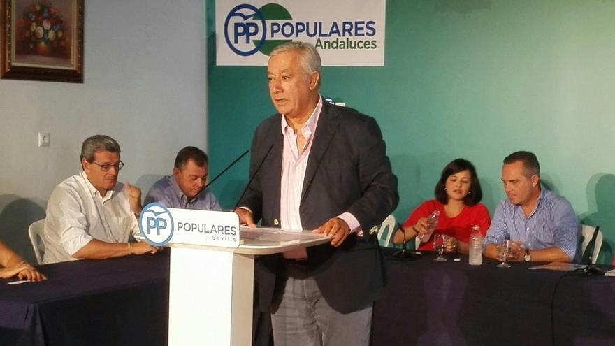"""Arenas afirma que, según la """"genética"""" del PP, """"en cuanto se puede, se bajan los impuestos"""""""