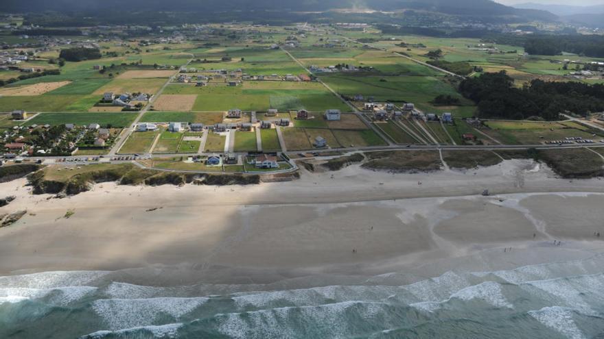 Urbanismo disperso en el litoral de Barreiros (Lugo)