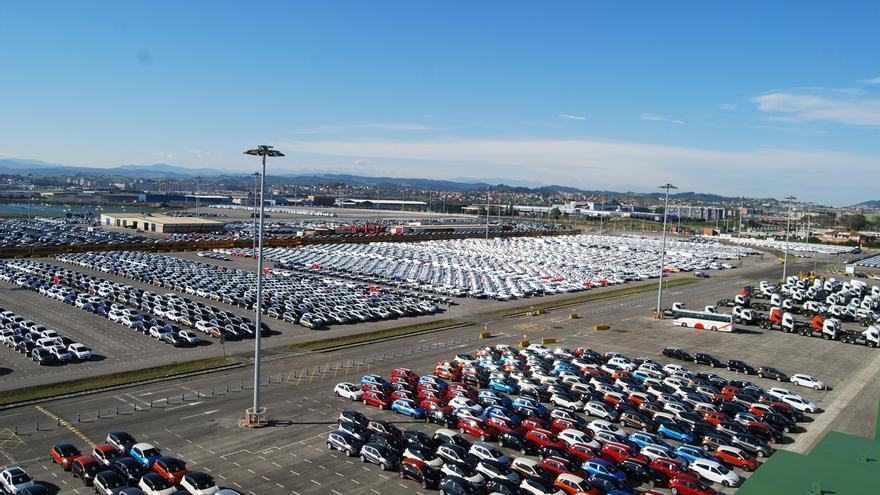 A información pública la solicitud de Bergé para un centro logístico de vehículos en el espigón de Raos
