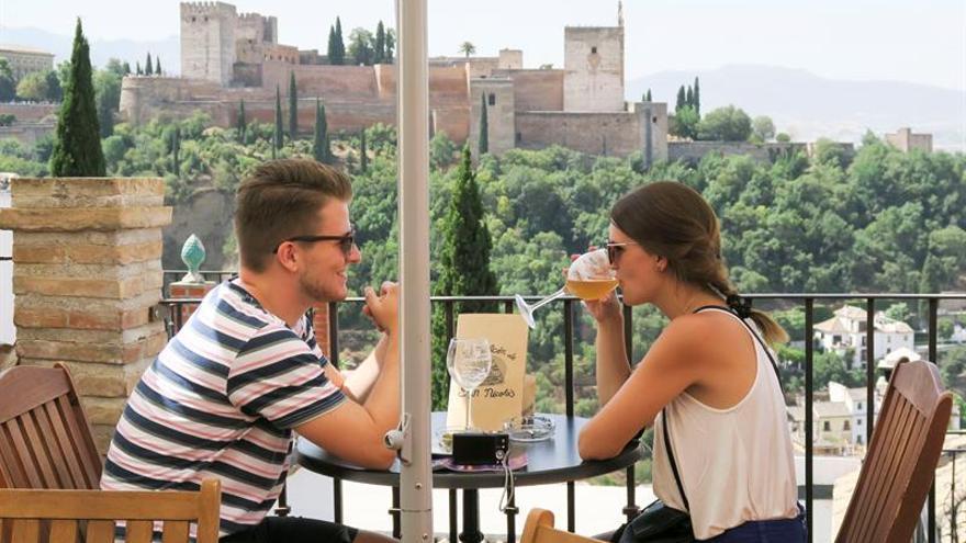 Granada registra su mejor semestre turístico, con un 1,83 % más de visitantes