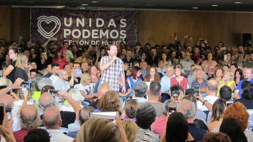 """Iglesias: """"Se está preparando un acuerdo entre PP y PSOE al que se quiere sumar Cs"""""""