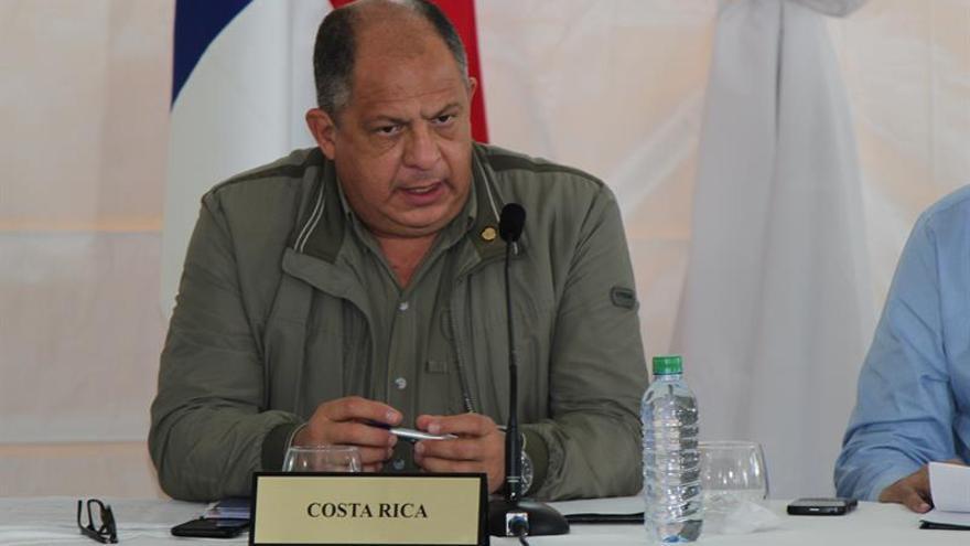 """Solís califica como """"logro extraordinario"""" la reducción de la pobreza en Costa Rica"""