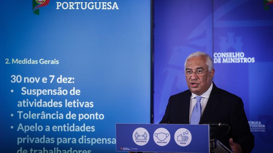 """Más restricciones en Portugal  por el alza """"preocupante"""" de casos de covid"""