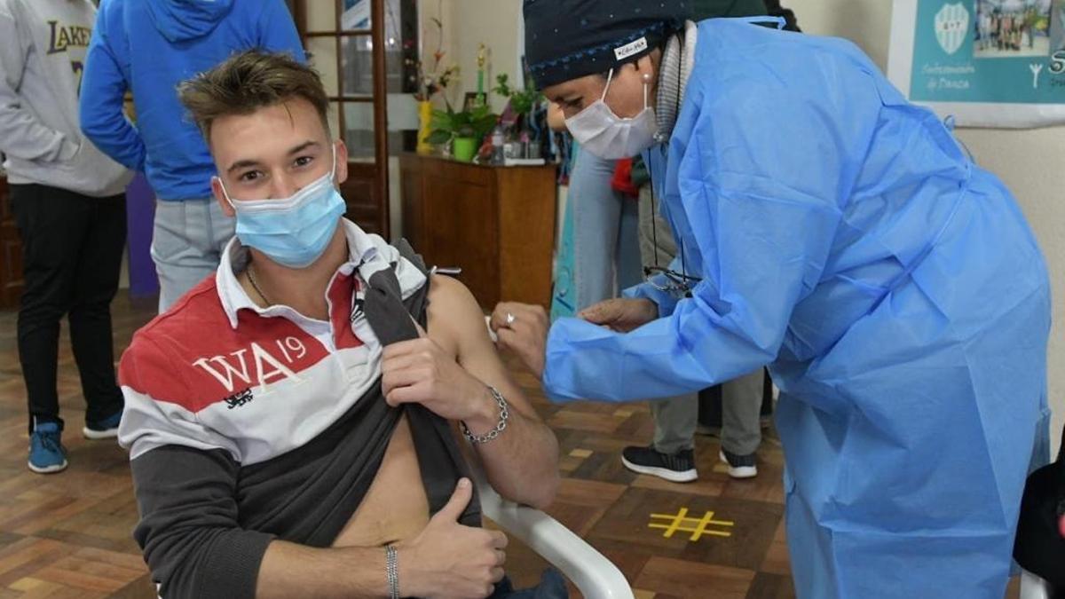 Avanza la vacunación en la población para intentar frenar la segunda ola de coronavirus
