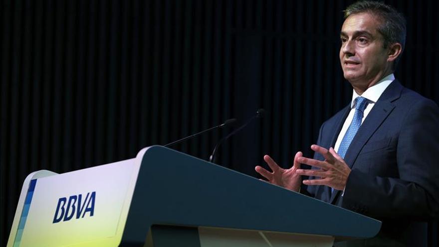 El BBVA ganó 2.228 millones de euros en 2013, el 32,9 por ciento más