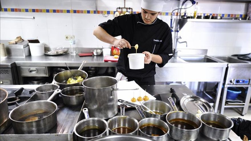 Cinco estrellas Michelín para la comida de Nochebuena en Cáritas