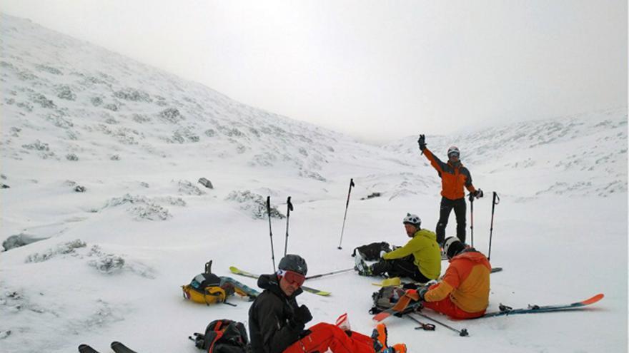 Esquí de montaña por la sierra de Guadarrama