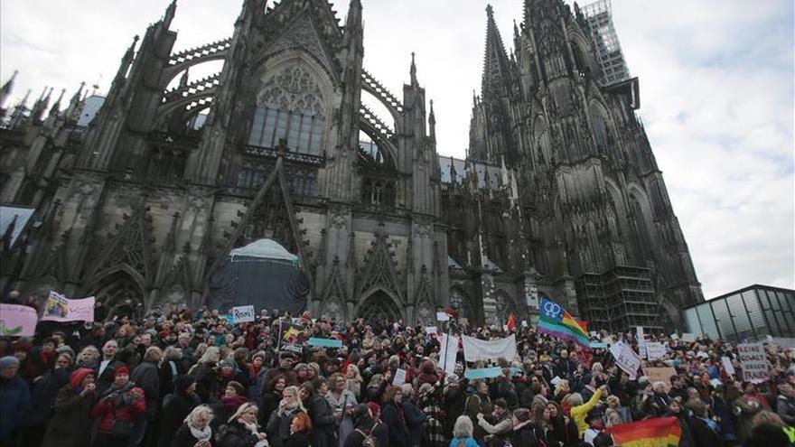 La CDU de Merkel propone endurecer los castigos para los refugiados condenados