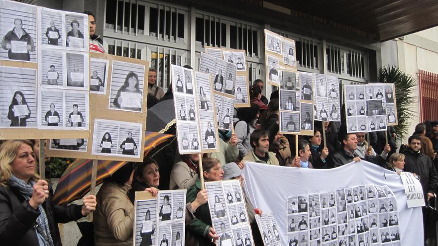 Concentración en los juzgados de Córdoba en apoyo a los imputados de la Acampada Dignidad.
