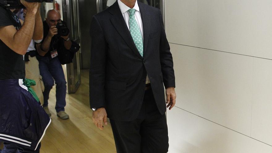 Duran critica la querella del fiscal e insta a Rajoy a buscar una solución política con Mas