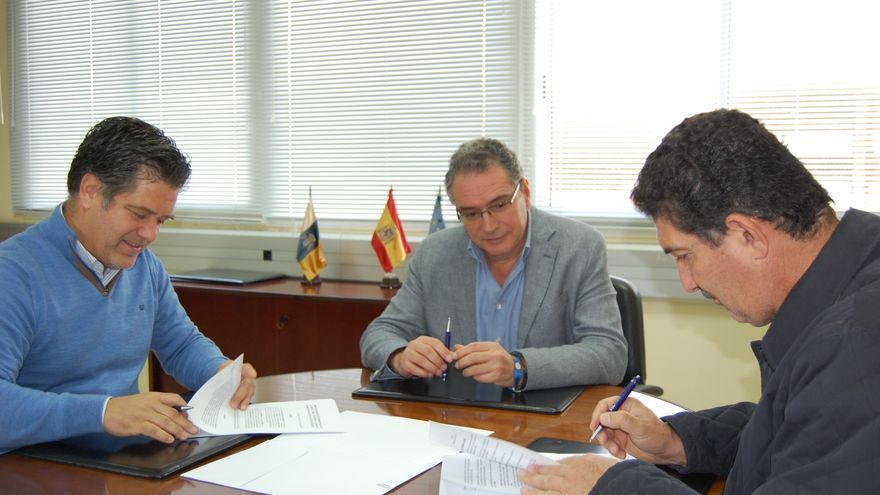 Firma del acuerdo entre el Instituto Tecnológico de Canarias (ITC) con la empresa canaria AT Hidrotecnia