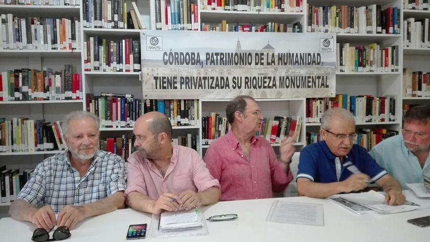 """Anguita ve """"prevaricación"""" en la inmatriculación por la Iglesia de 180 bienes en Córdoba, muchos públicos"""