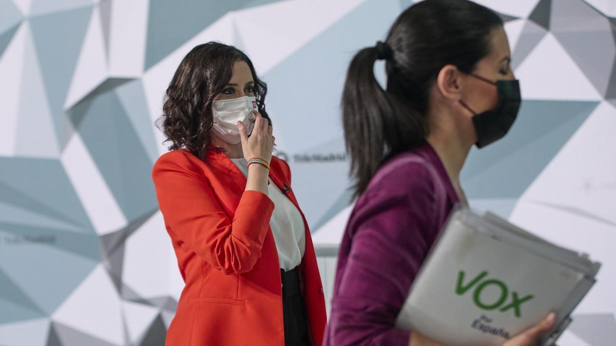 Isabel Ayuso y Rocío Monasterio en el plató del debate en Telemadrid