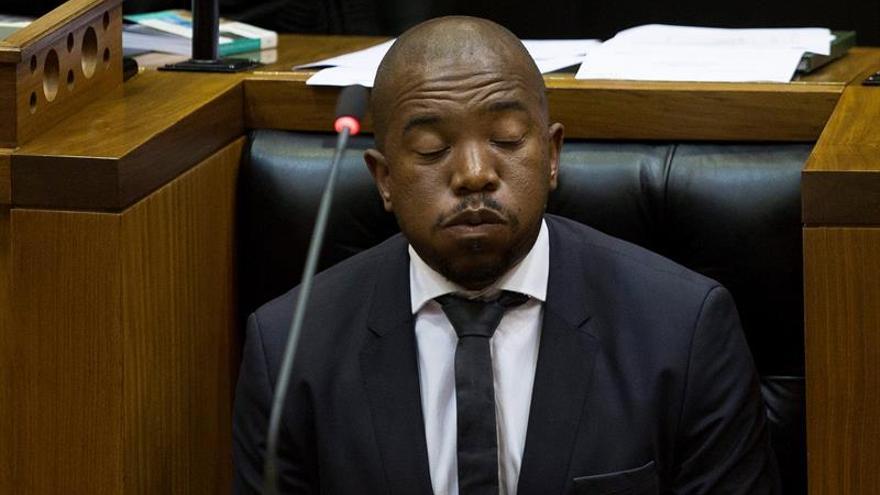 La oposición sudafricana denuncia al presidente Zuma por corrupción