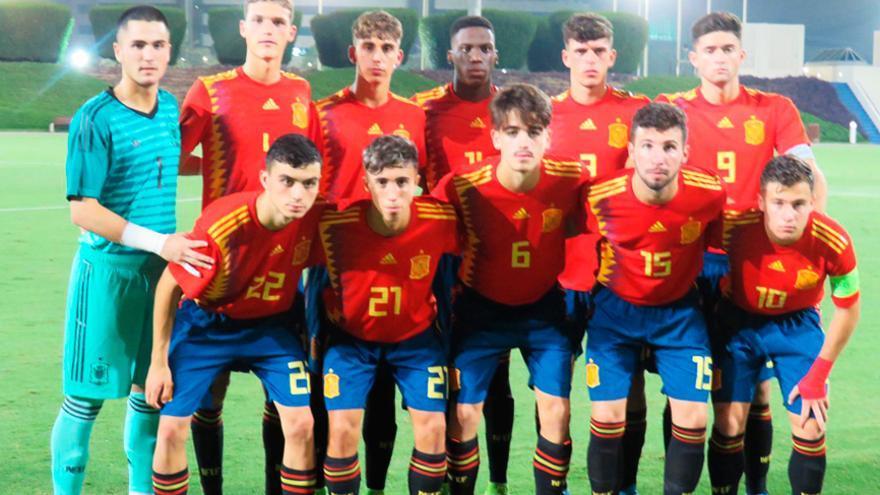 Pedri, con el número 22, en el once que alineó España Sub 18 este lunes ante Catar.