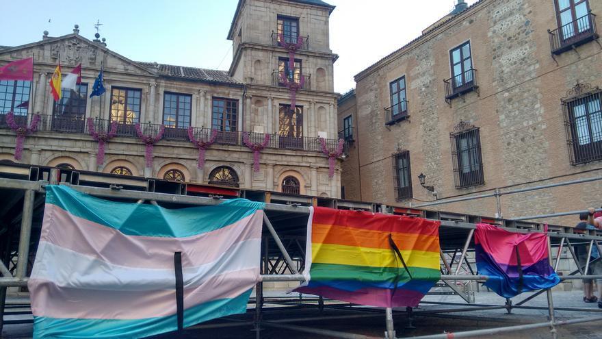 Acto en recuerdo y repudia a la matanza de Orlando en Toledo
