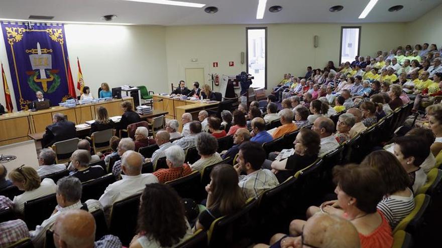 La macrodemanda por las preferentes de Caja Madrid se retomará en septiembre