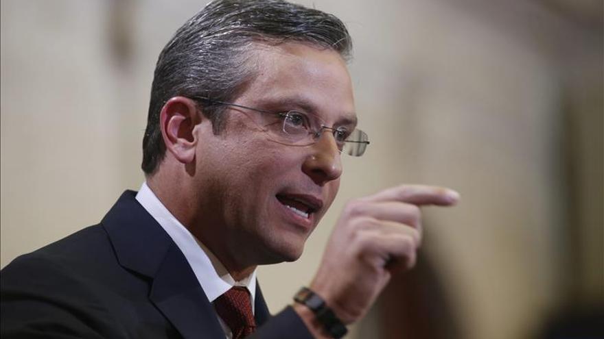 Puerto Rico anuncia la intención de pagar su deuda pero pide ayuda urgente