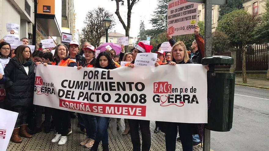 Movilización del personal de los PAC ante el Parlamento de Galicia