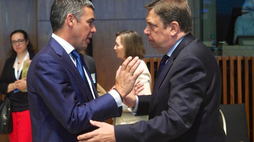 Narvay Quintero y Luis Planas, este martes en el Consejo de Agricultura de la UE celebrado en Luxemburgo