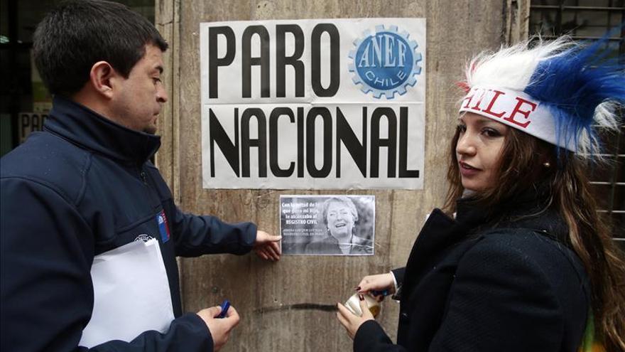 Empleados Registro Civil chileno rechazan la oferta del gobierno y la huelga sigue