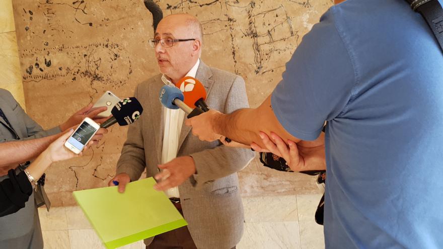 El presidente del Cabildo de Gran Canaria, Antonio Morales, en la inauguración de las 'Jornadas Explicativas de la Ley del Suelo'