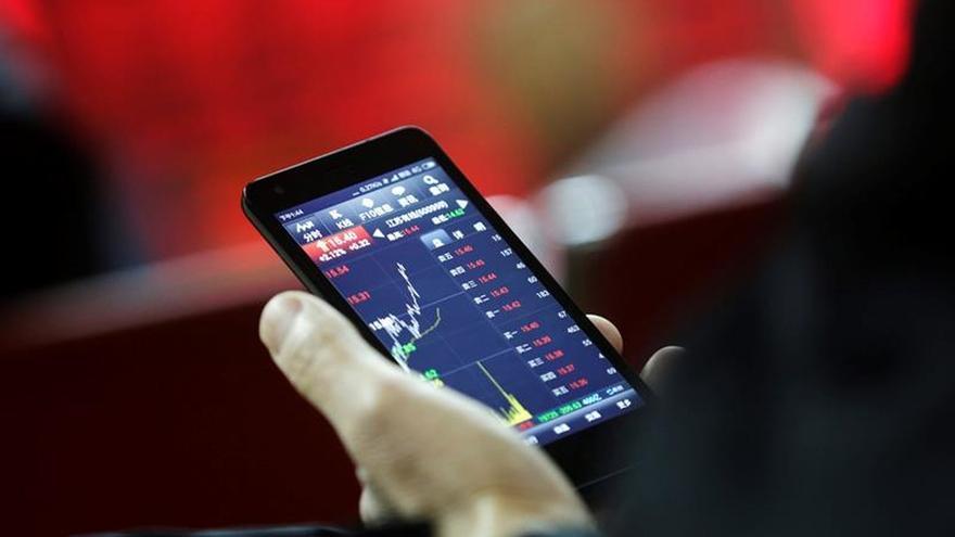 La Bolsa de Shanghái abre con pérdidas del 0,13 % y Shenzhen sube el 0,16 %
