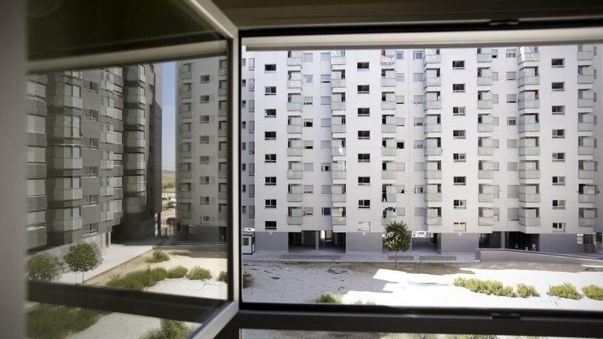 Una de las promociones de vivienda pública vendida a un fondo de inversión en el Ensanche de Vallecas./OLMO CALVO