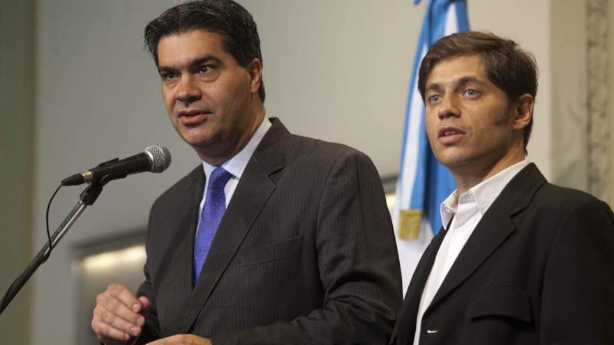Argentina frena el desplome del peso con el levantamiento parcial del cepo al dólar