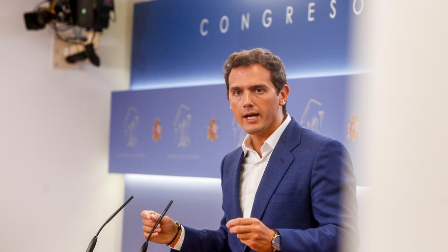 """Rivera dice que en Ciudadanos hay """"democracia interna"""" y recuerda que prometieron a los votantes no apoyar a Sánchez"""