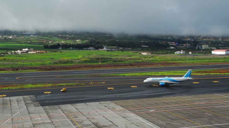 Pista del aeropuerto Tenerife Norte / AENA