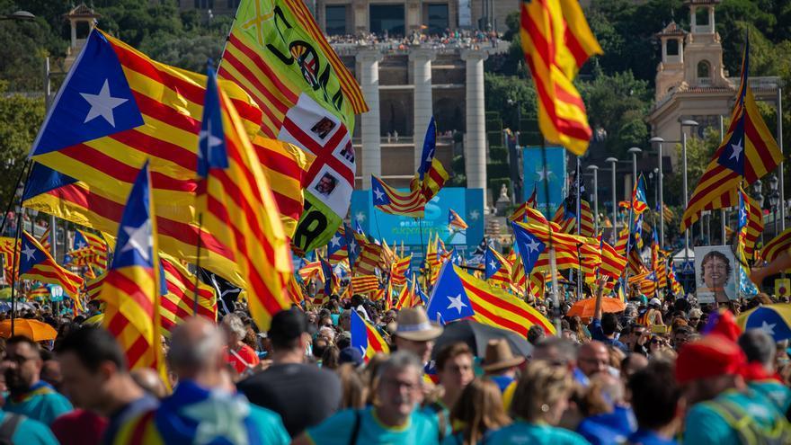 Empieza la manifestación de la ANC llenando la plaza España y las calles adyacentes