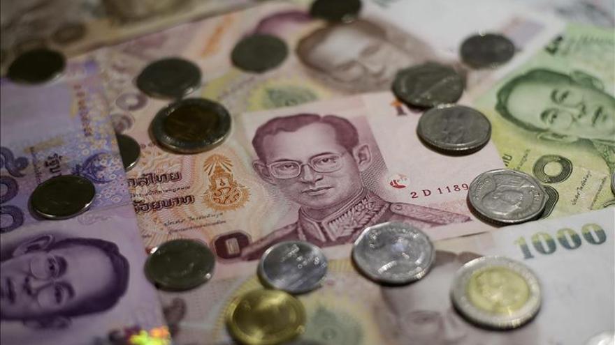 Las bolsas del Sudeste Asiático bajaron entre el 3,85 % y el 14,34 % en 2015