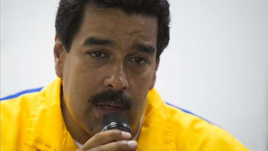 Maduro da otra vuelta de tuerca a su ofensiva económica a 10 días de los comicios