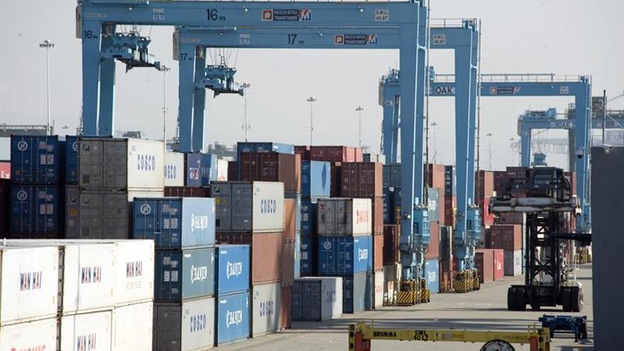 EE.UU. prepara nuevos aranceles del 10 % a 200.000 millones de dólares en productos chinos