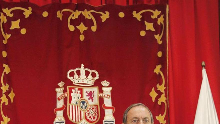 Joaquín Astor Landete, presidente de la Audiencia Provincial tinerfeña (derecha), este viernes