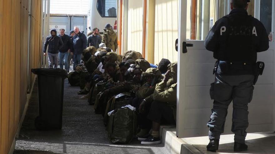 Aumentan un 10 por ciento las llegadas irregulares a la UE en marzo, según Frontex
