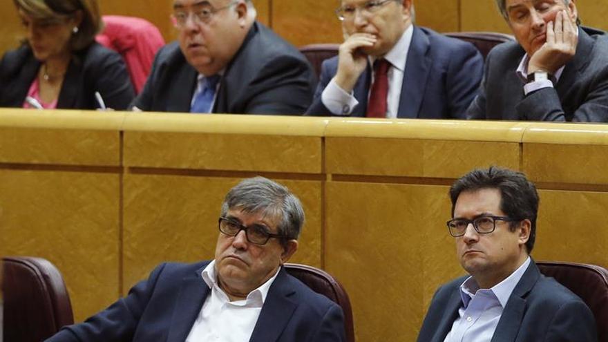 Óscar López (PSOE) mantiene su no a Rajoy pero pide acatar la unidad de voto