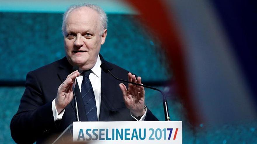 """Asselineau, el candidato """"un poco británico"""" que defiende el """"frexit"""""""