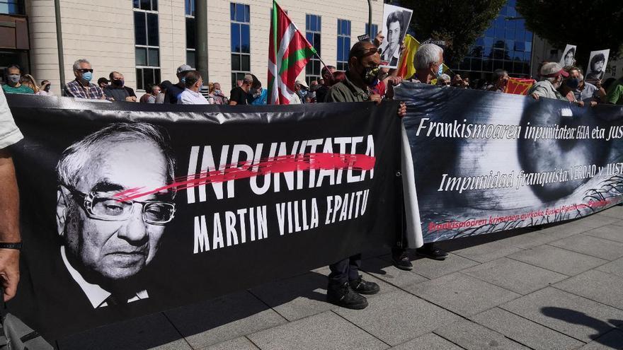 Concentración en Pamplona contra la impunidad del franquismo y por un juicio a Martín Villa